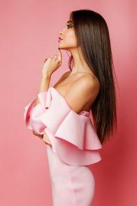 Jak wybrać sukienkę bankietową?